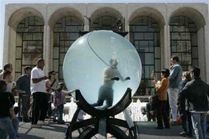David Blaine water globe stunt