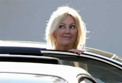 Heather Locklear takes a peek