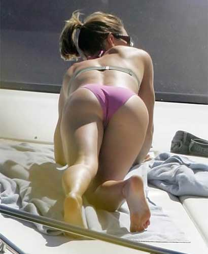 Jessica Biel flashing butt
