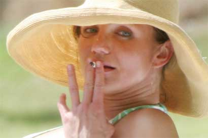 Cameron Diaz smoking a joint