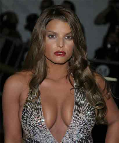 Jessica Simpson's cleavage 1