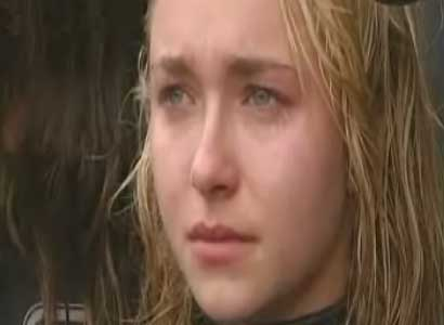 Hayden Panettiere cries about dolphin killing
